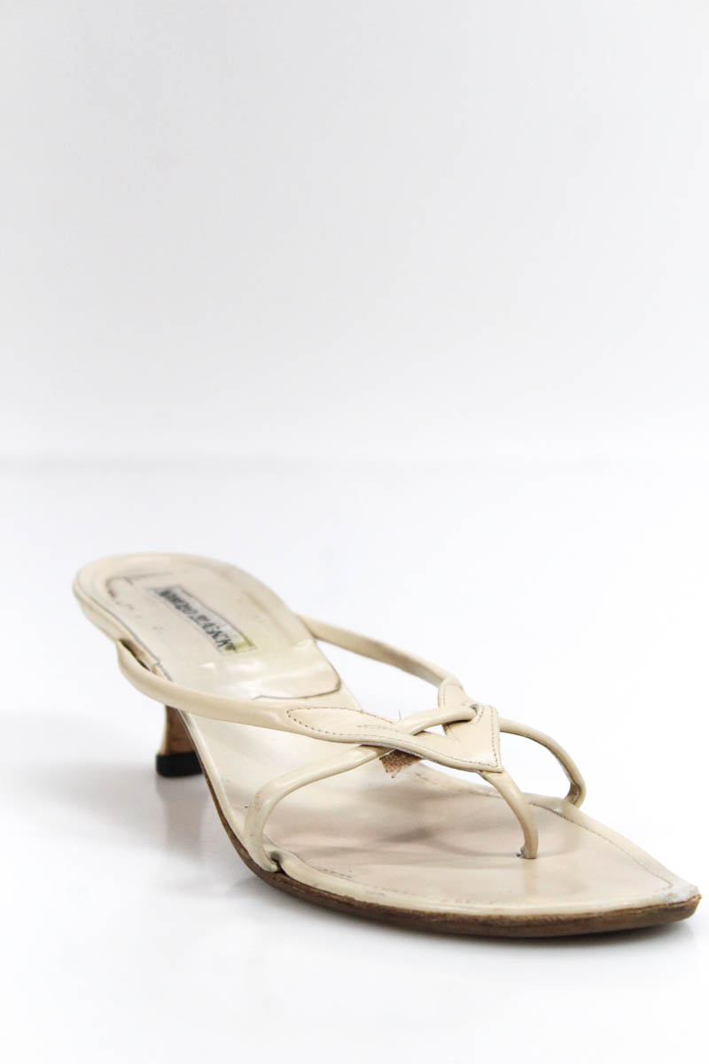 aec9ac813f2 Details about Manolo Blahnik Womens Kitten Heel Sandals Beige Leather Thong  Slide On Size 39 9