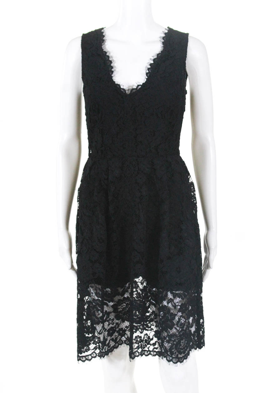 9cfd9a23953 DKNY Women s Sleeveless Sheath Dress V Neck Side Zip Knee Length Black Size  0