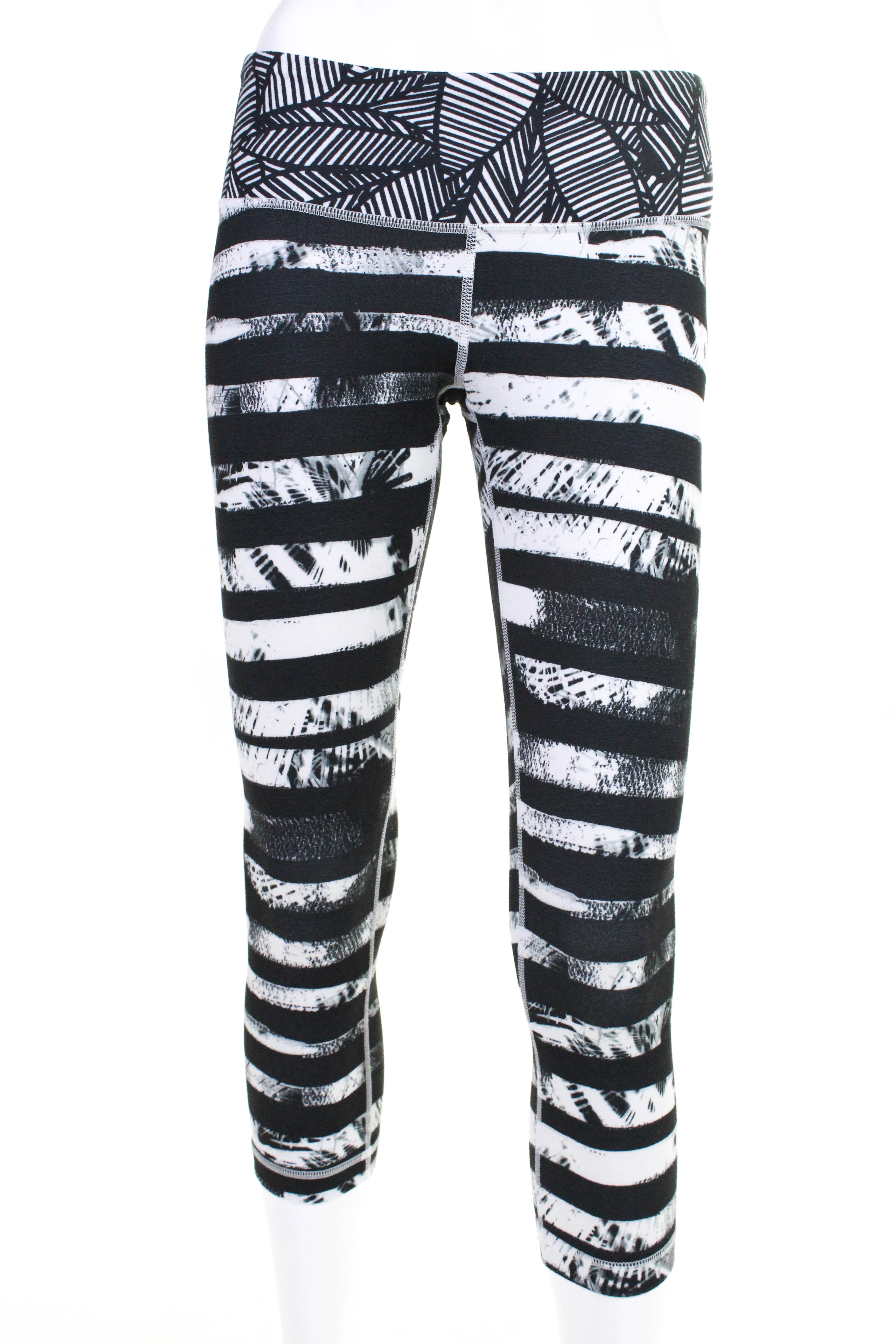 09b9c898a8 Lululemon Womens Crop Athletic Leggings Gray Black Size 6 | eBay