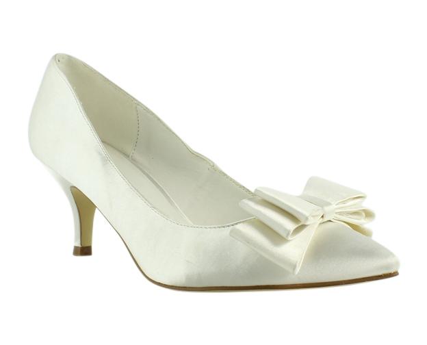 2f8768b4589 Menbur Womens White Pumps Size 6 (236187)