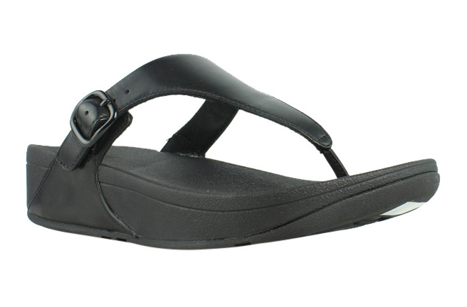 a5718894aba0 FitFlop J26 Womens The SKINNY Leather Toe-thong Sandal Black 8 M US ...