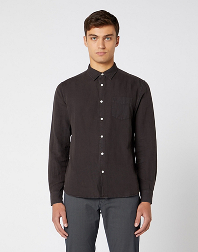 Wrangler Long Sleeve One Pocket Shirt in Faded Black