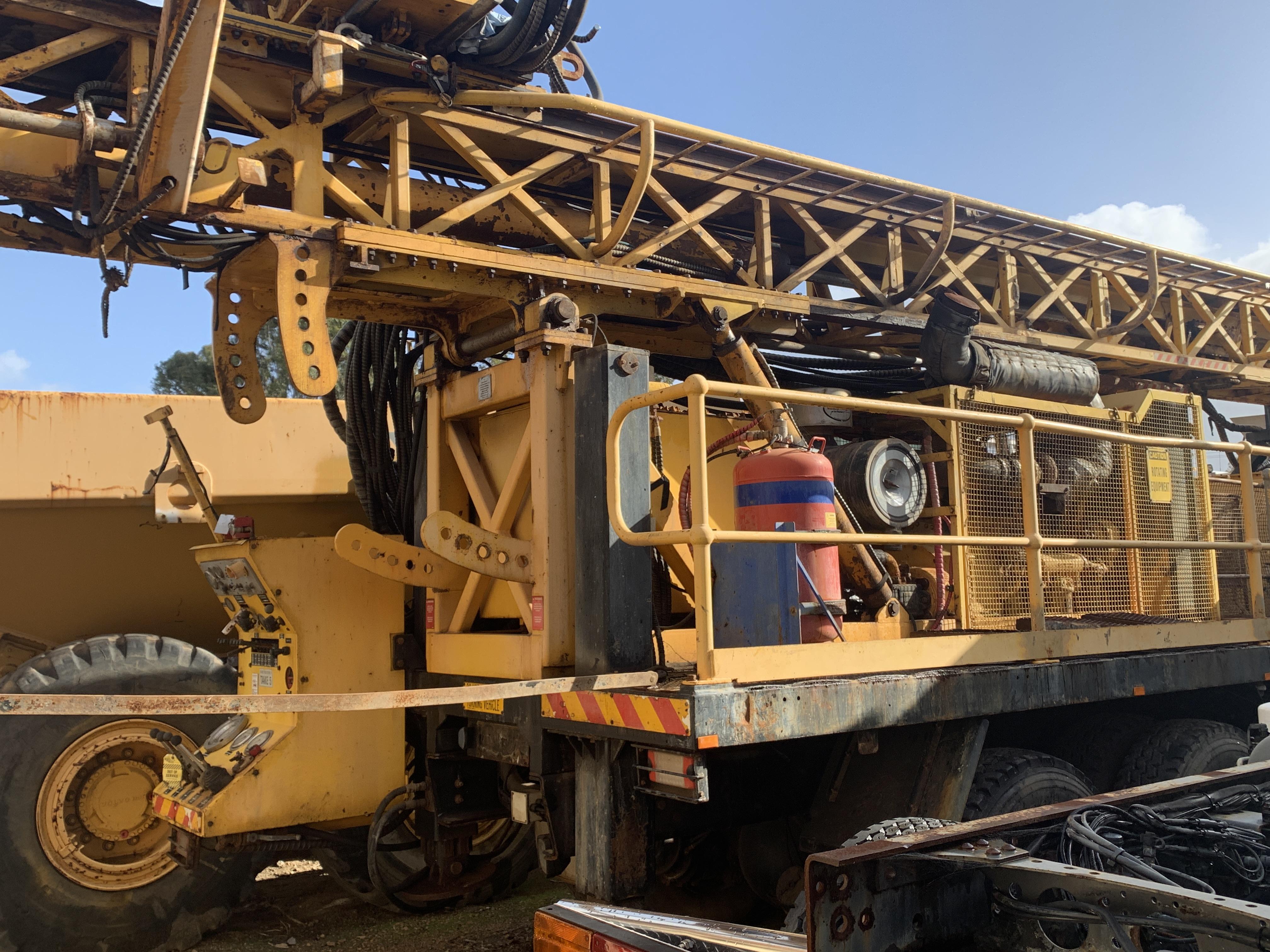 KL 1500 multi purpose deep hole drill rig