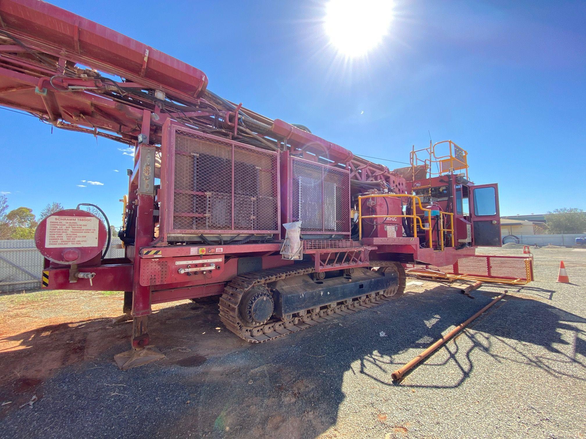 Schramm 685 grade control rig