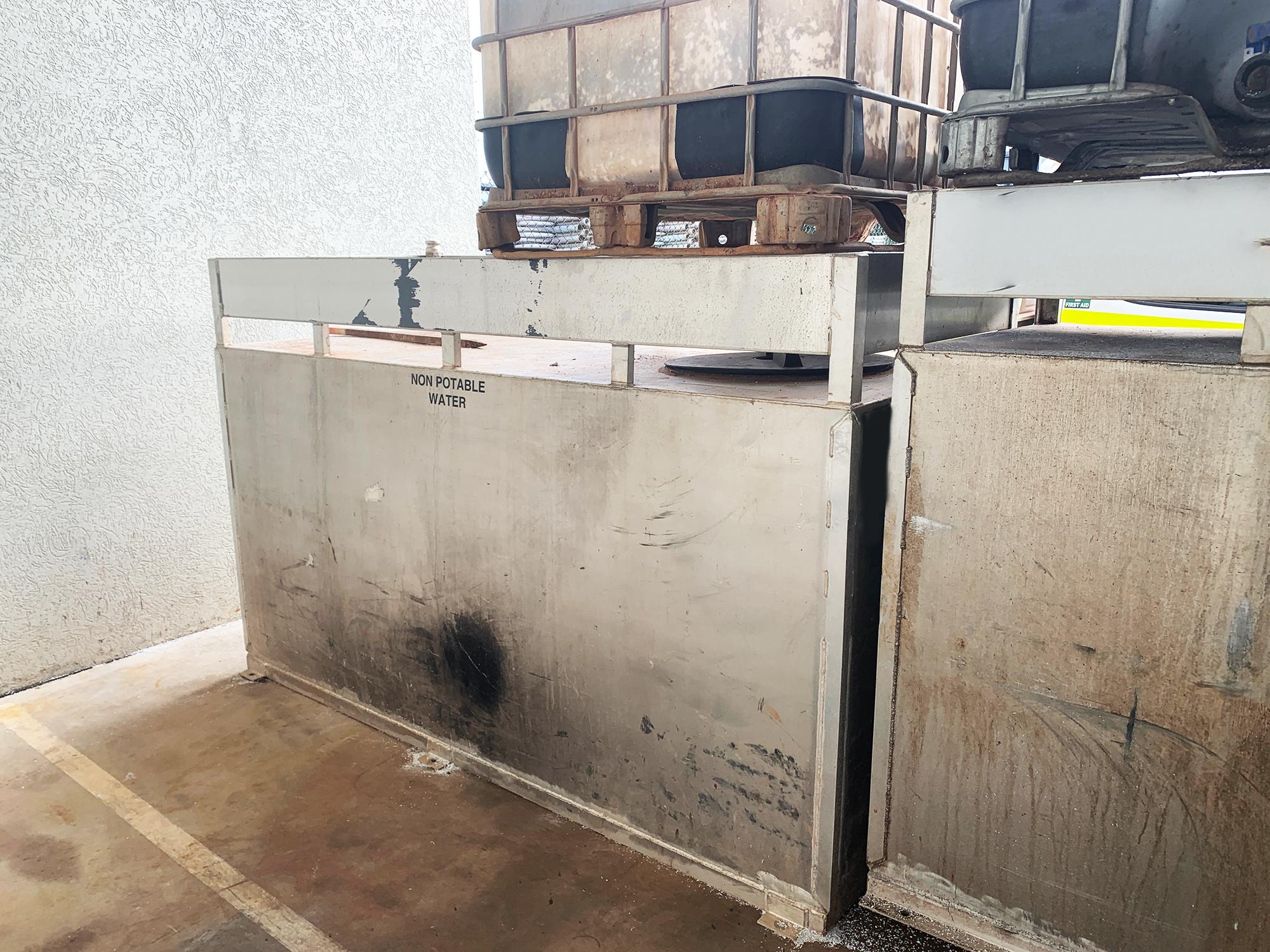 1800 litre water tank