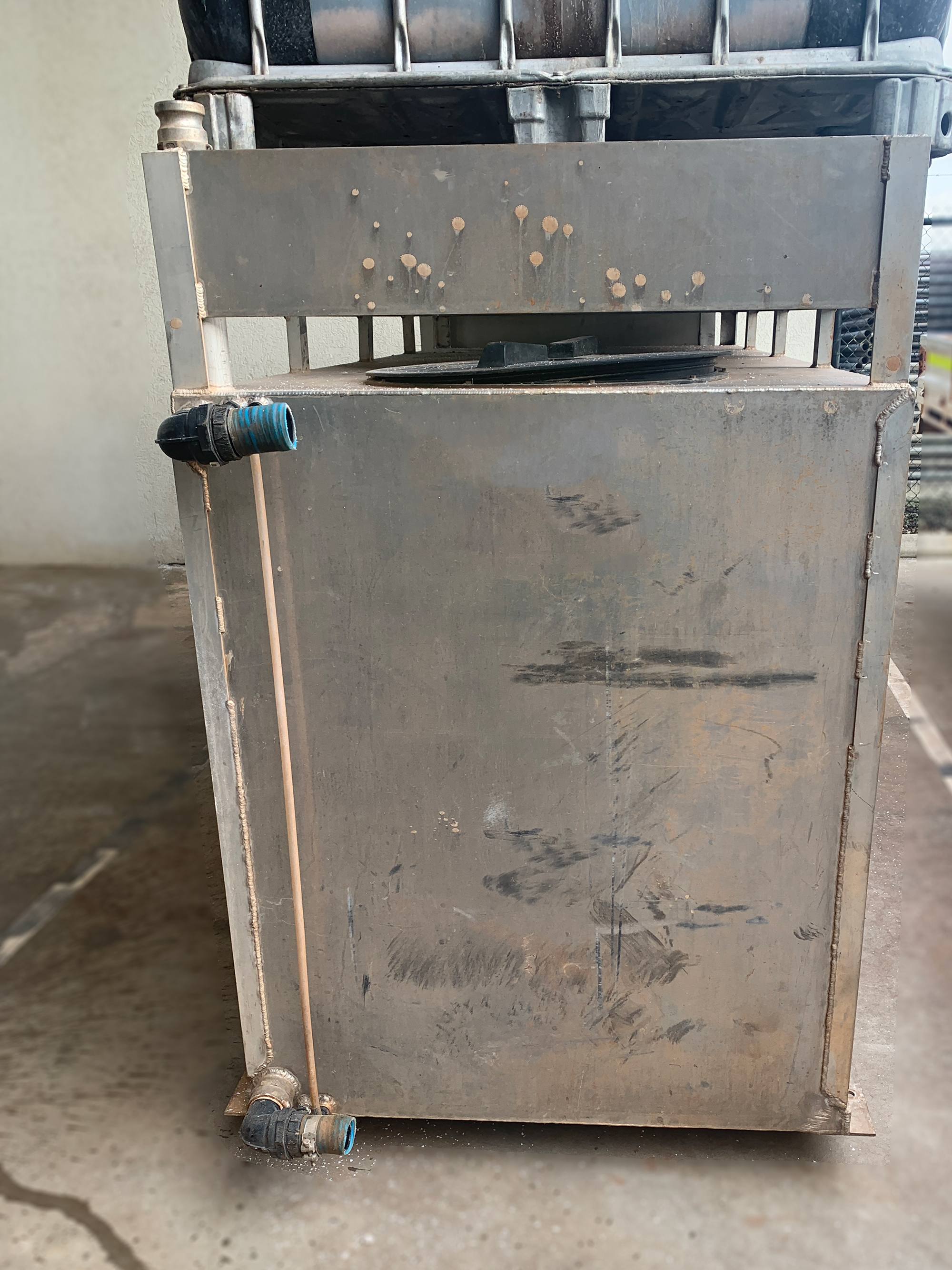 Aluminium water tank 1800